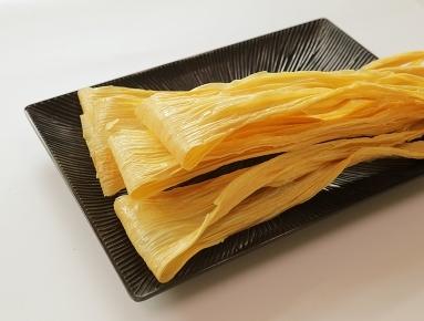 腐竹含有丰富的蛋白质及多种营养成分