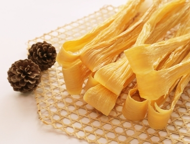 腐竹中含有大量的钙质